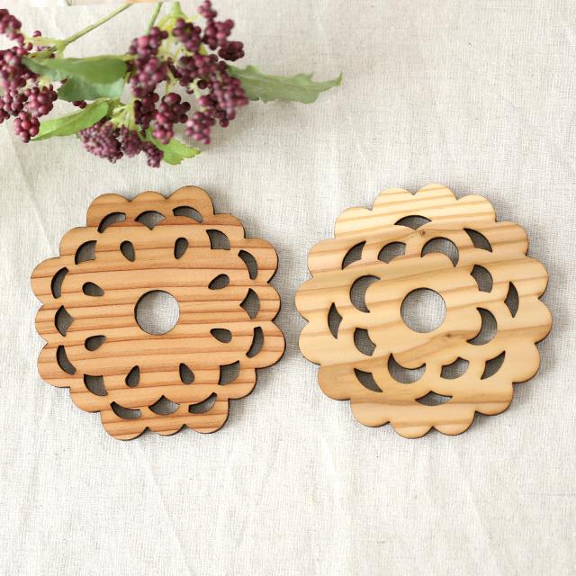杉の木製レトロ花柄コースター