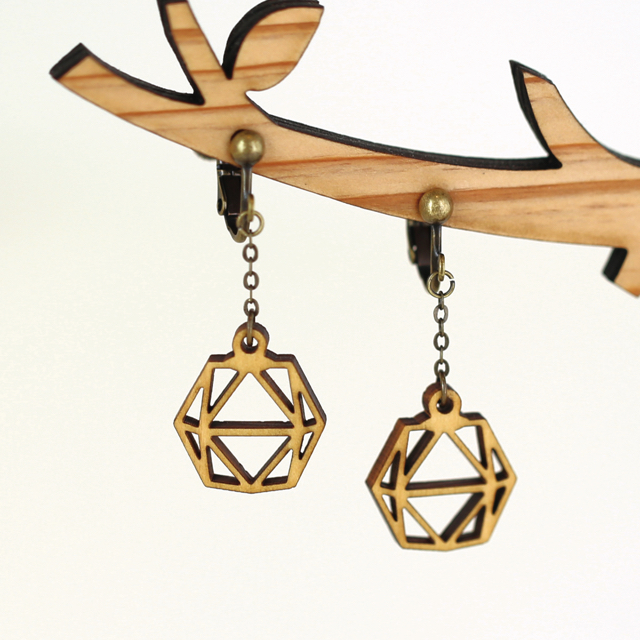 木の六角形ペンダントライトイヤリング