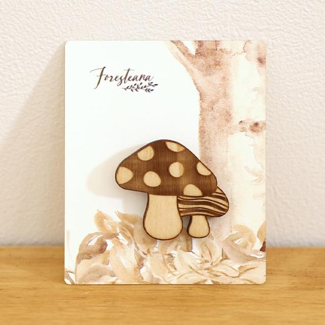 キノコの木製ブローチ 台紙
