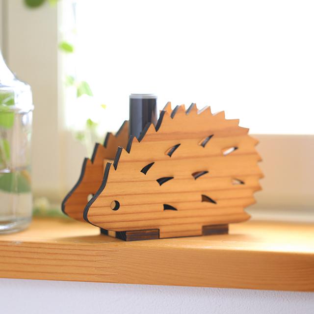 ハリネズミの木製ハンコスタンド