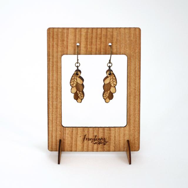 木の葉っぱピアス・イヤリング 木製アクセサリースタンド
