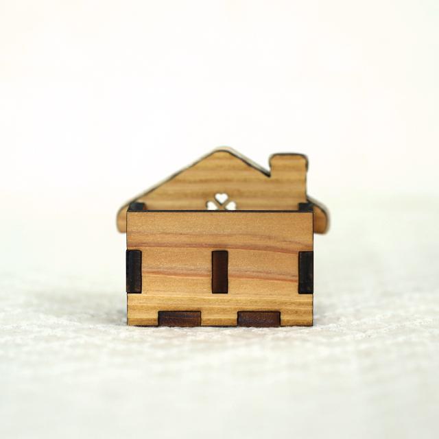 お菓子の家の木製ハンコスタンド 裏面