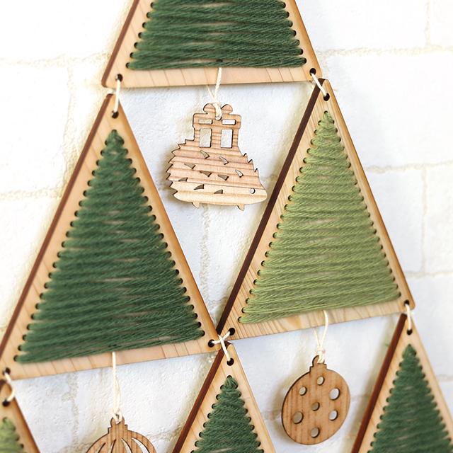 ヒノキのクリスマスタペストリーツリーキット ハリネズミアップ