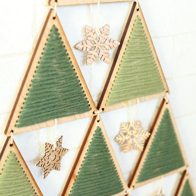 ヒノキのクリスマスタペストリーツリーキット 雪の結晶アップ