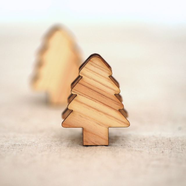 レーザー加工 もみの木の木製メモ&フォトスタンドクリップ