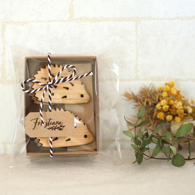 ラッピング ハリネズミの木製メモ&フォトスタンドクリップ