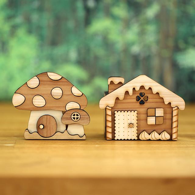 お菓子の家ときのこの家の木製印鑑スタンド